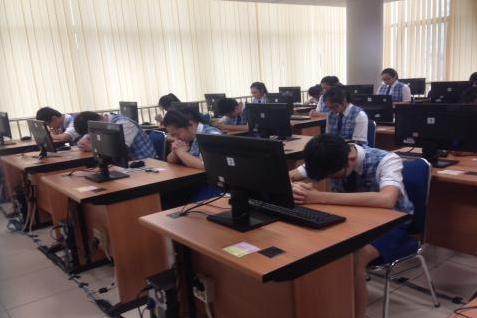 SMPK 2 Penabur Selenggarakan Ujian Nasional Menggunakan Komputer