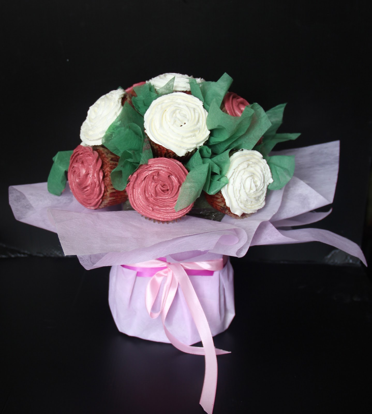 Emas creation flower cupcake bouquet cupcake flower bouquet red valved cupcake frosting with cheese cream izmirmasajfo