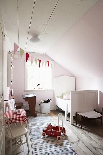 decoracion infantil blanco vintage estilo nordico escandinavo con guirnaldas