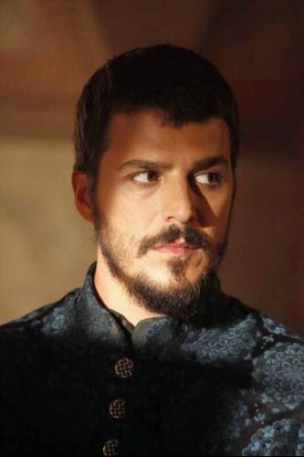 Foto profil pemeran pangeran mustafa dalam serial abad kejayaan