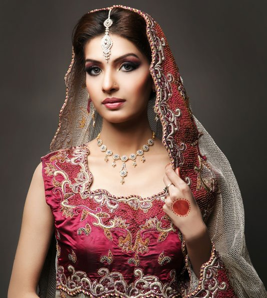 Saeeda Imtiaz Sunuba Spa Bridal Shoot Photos
