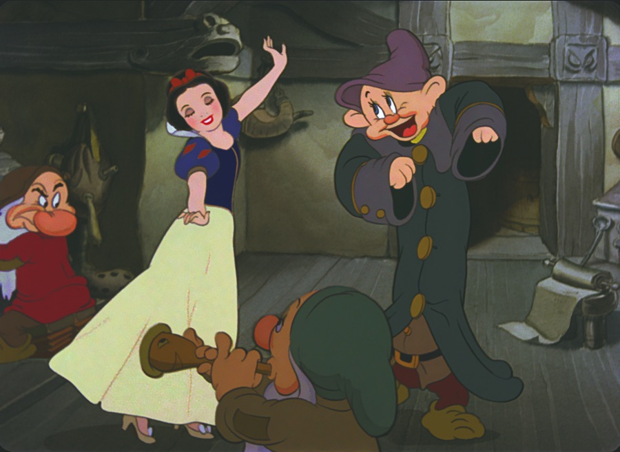 Exploring The Decades With Disney Princesses: Snow White ...