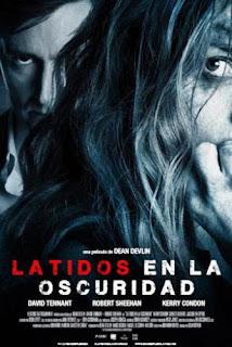 Latidos en la Oscuridad en Español Latino