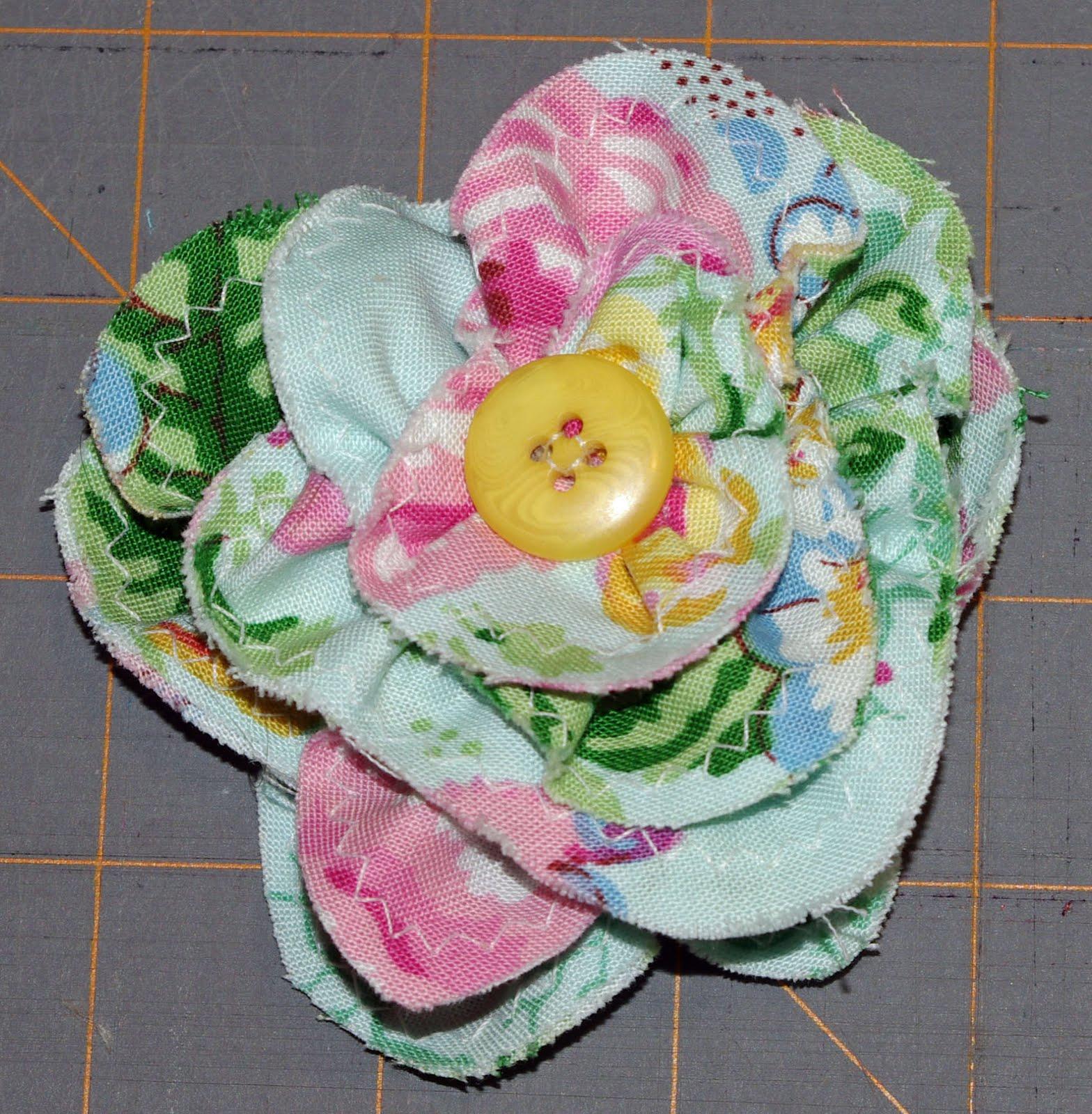 SquigglyTwigs Designs Tuesdays Tute Frayed Petal Flower