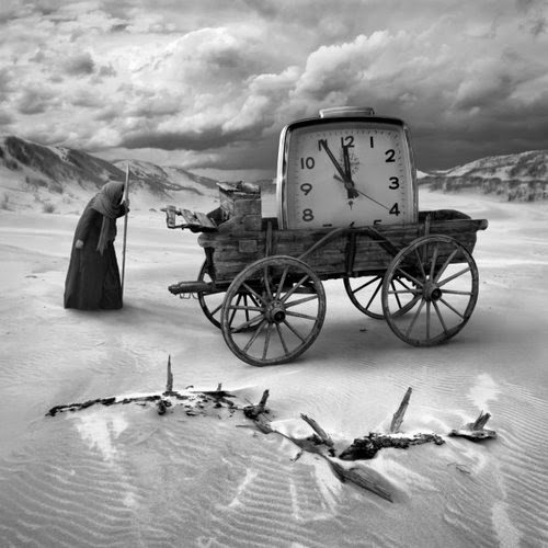 16-Timer-Dariusz-Klimczak-Black-and-White-Surreal-Altered-Reality-www-designstack-co
