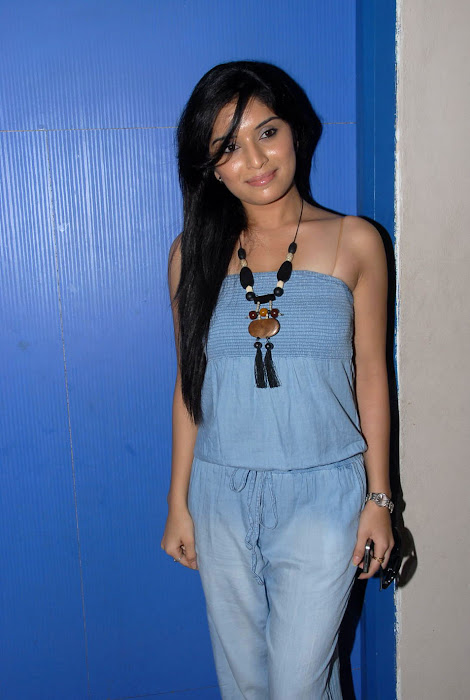 nikitha shetty at facebook movie logo launch, nikitha shetty unseen pics
