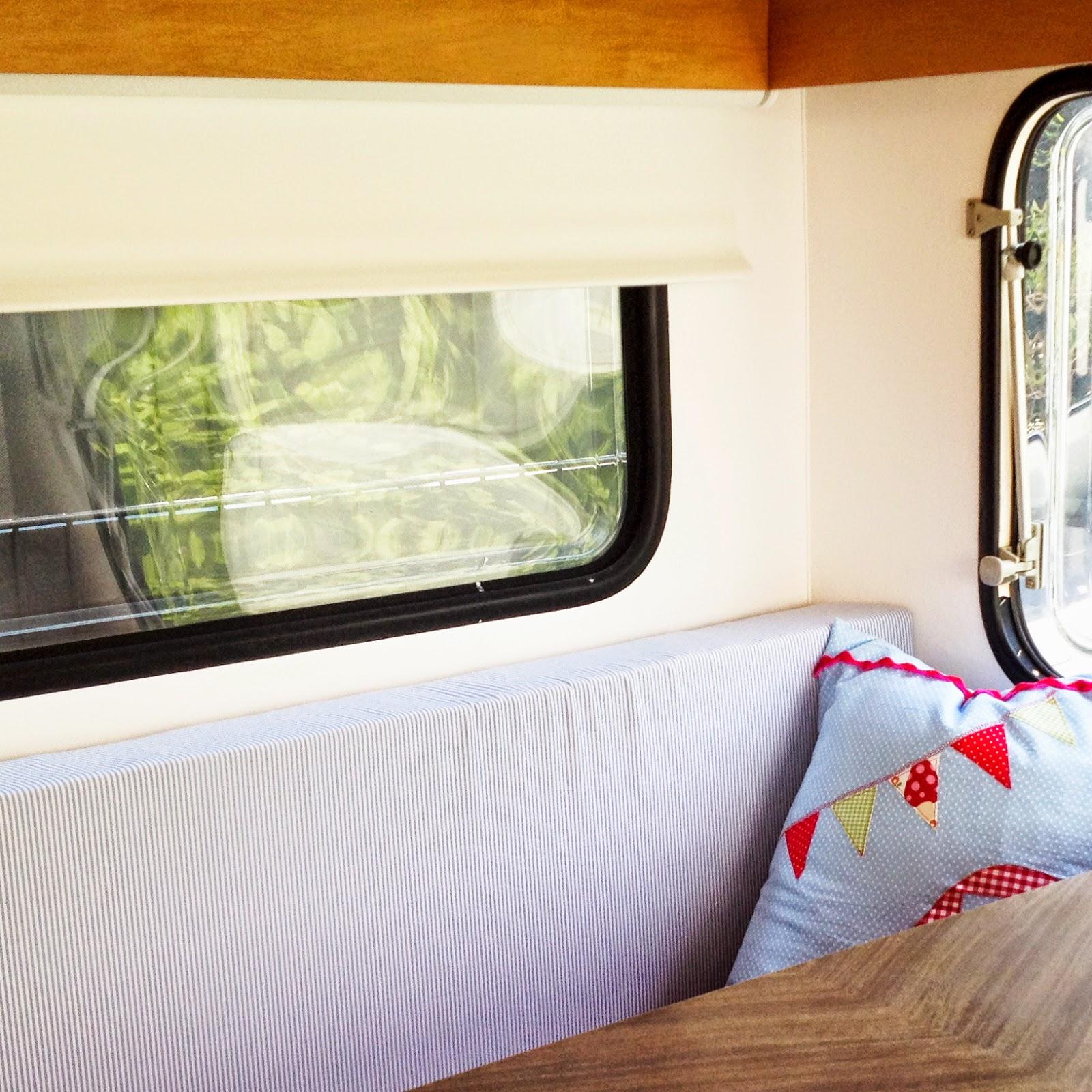 lolo und theo september 2014. Black Bedroom Furniture Sets. Home Design Ideas