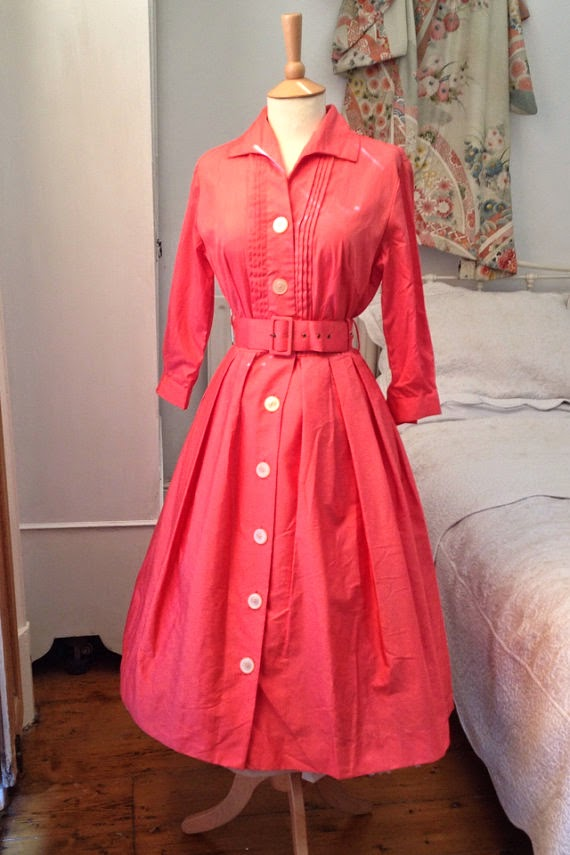 https://www.etsy.com/uk/listing/193701909/1950s-vintage-dress?ref=shop_home_active_10
