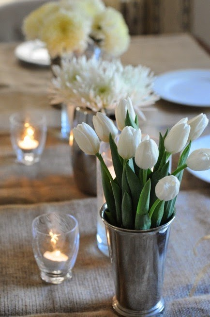 Patricia gray interior design blog simple white flower for Dinner table flower arrangements