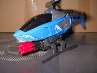 mini helicoptero lanza-misiles