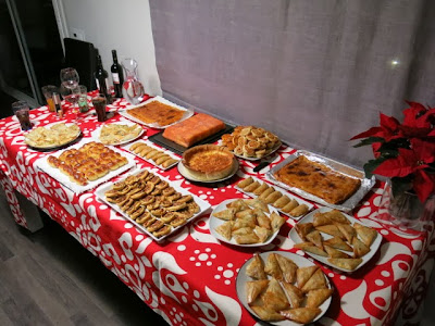 Algo para picar ideas para picar en navidad empanadilla for Ideas menu cena amigos
