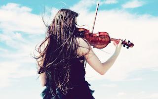 Femme avec un violon