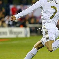 Video Skills and Tricks Cristiano Ronaldo Paling Mantap!