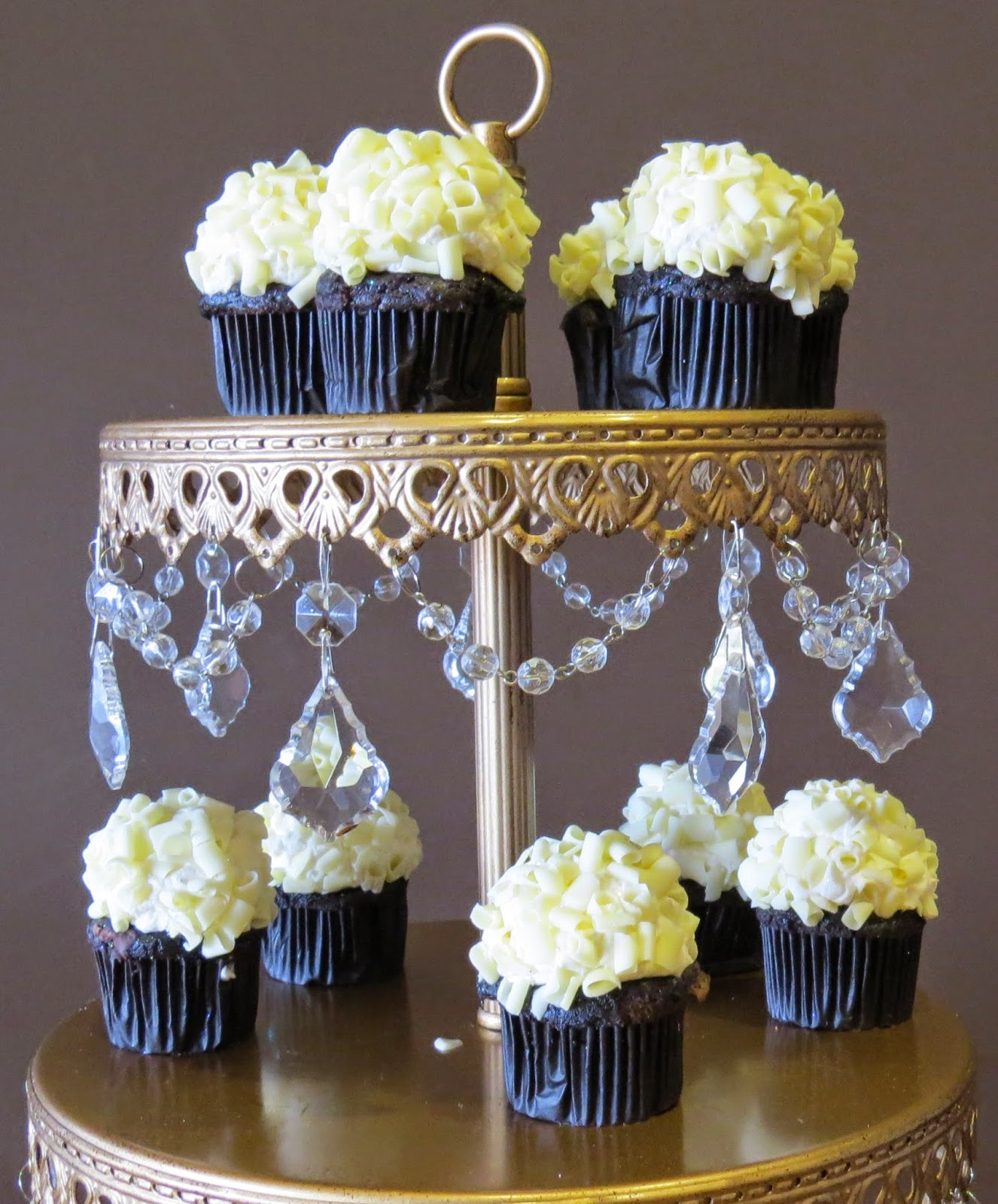 Cupcakes, Cake stand, Crystals, gold