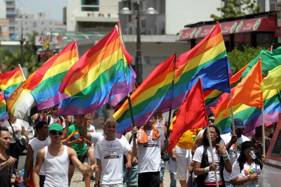 21 livres qui reprsentent les personnes LGBT de manire