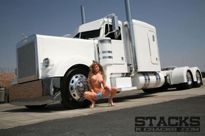 голые девушки и грузовики фото