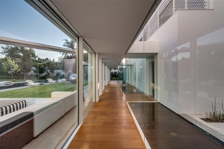 """Hallway of Modern Villa """"Cubes"""" In Tel Aviv"""