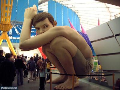 Images poilantes et étranges Art - Statue v9