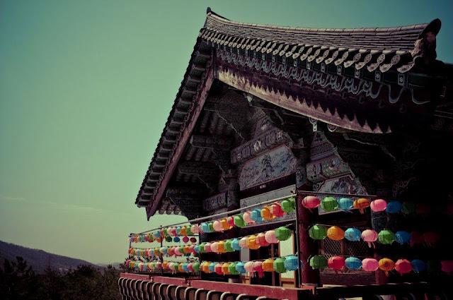 Sudok-Sa Monastery lanterns