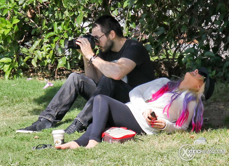 [Fotos] Christina, Max y Matt en Studio City (California) 7/10/2012 14