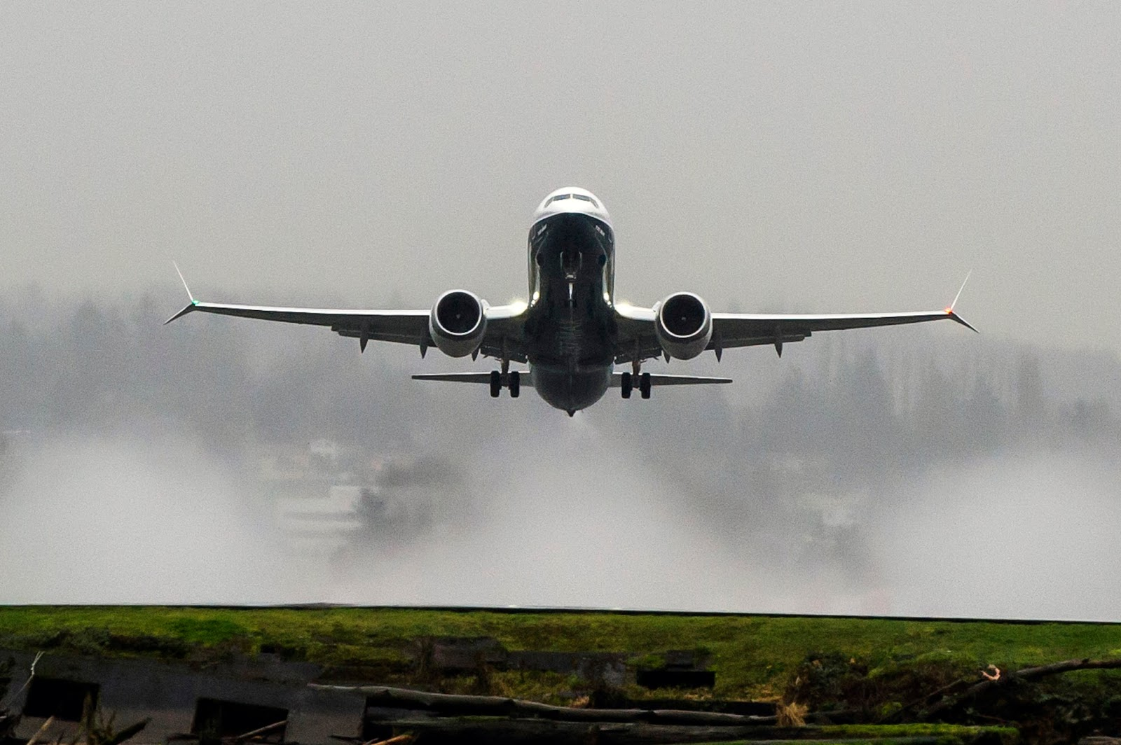 Boeing Completes Successful 737 MAX First Flight