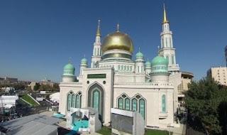 Vladimir Putin Resmikan Masjid Terbesar di Rusia