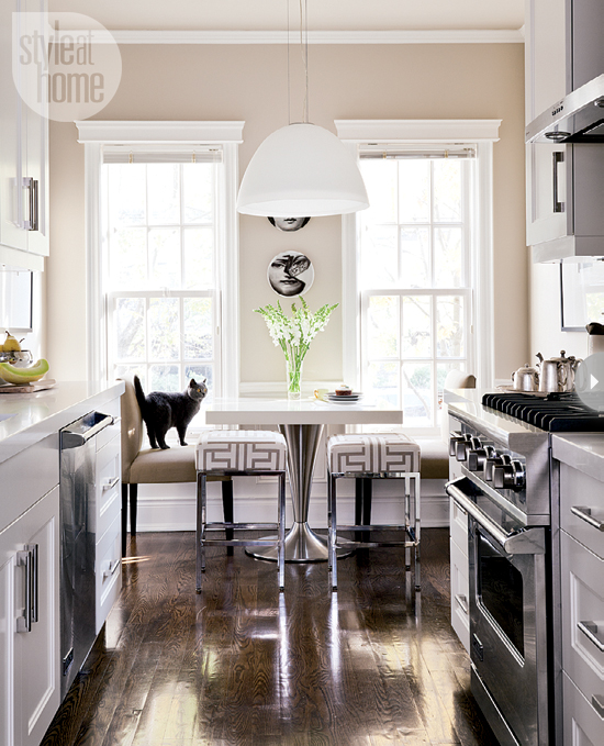Design obsessed room of the week a chic bistro kitchen for Galley kitchen with breakfast nook