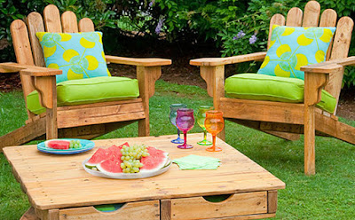Make an Adriondack Chair Out of Pallets