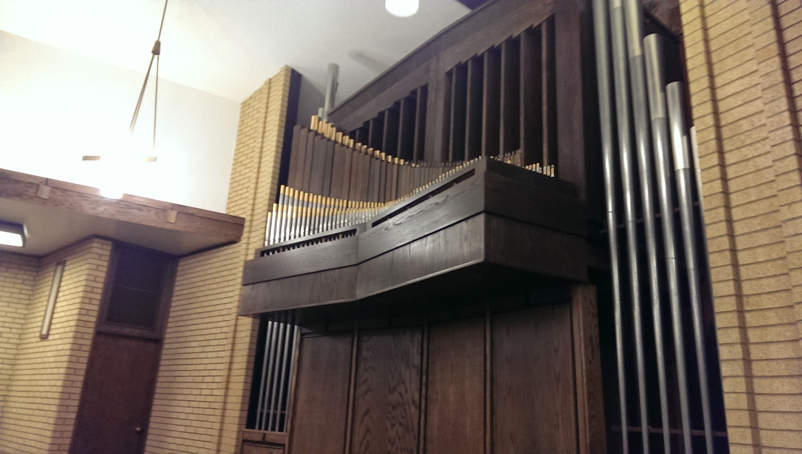 organ personals Welcome to the new organist web page of the american guild of organists – assisting pianists to learn to play the organ the committee on the new organist is dedicated to providing answers to common questions through this web page.