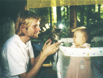 [Image: kurt_cobain_daughter_19.jpg]