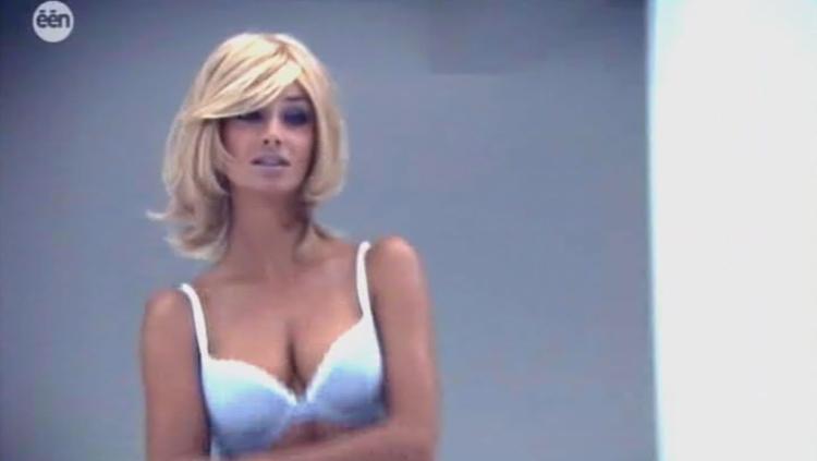 Véronique de Kock: Véronique De Kock schittert in Belgische lingerie ...