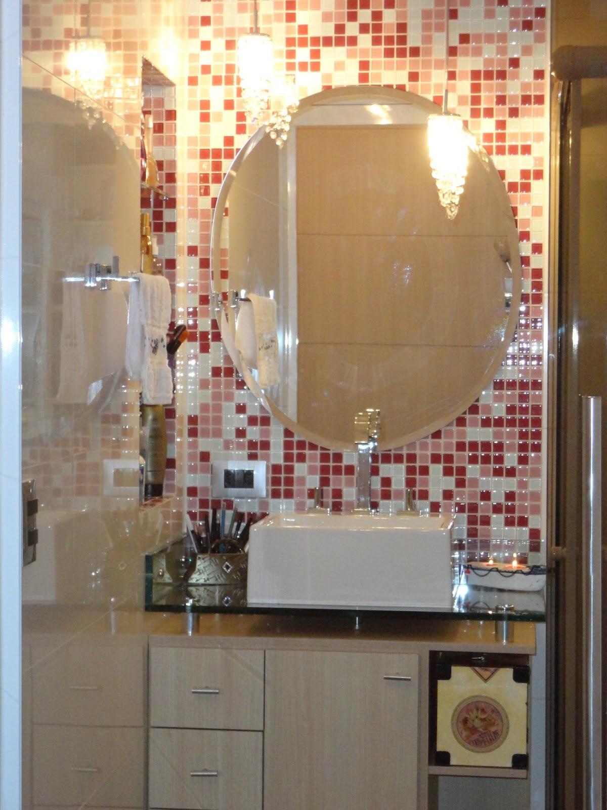 A reforma de nossa casa Quarto integrado ao banheiro um charme! # Banheiro Com Pastilha Em Volta Do Espelho