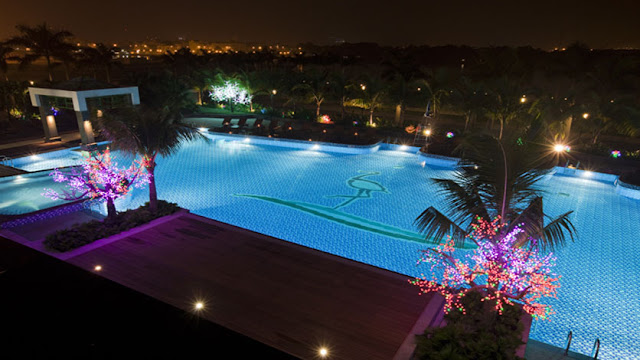 Swimming pool in Saigon Pearl