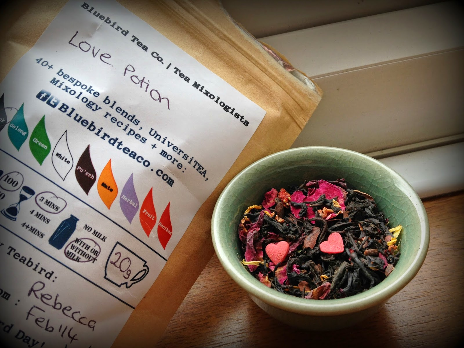 tea with roses and hearts