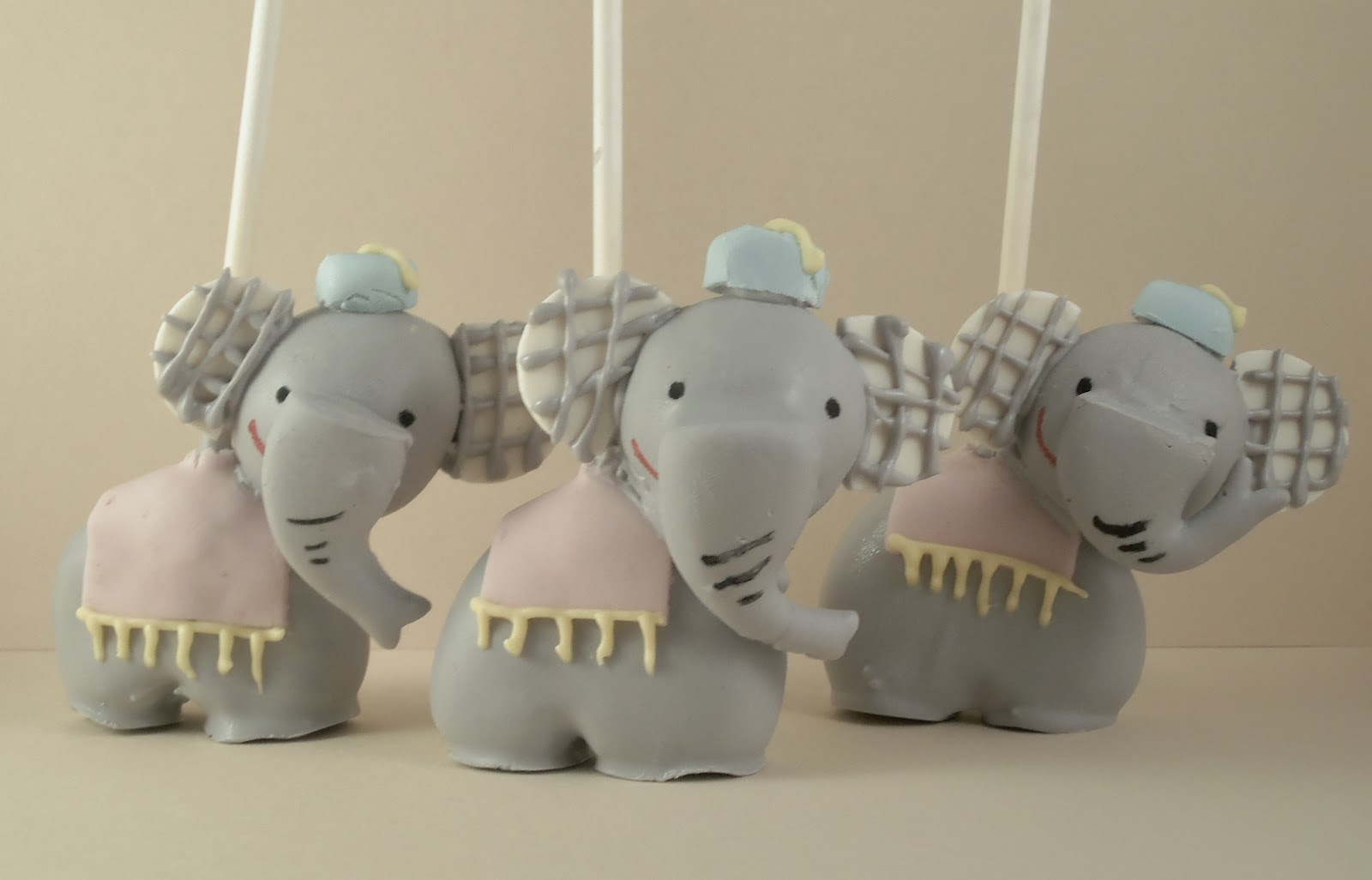 Hello Sweet Pop: Cakepops and More: Circus Elephants and Sea Lions