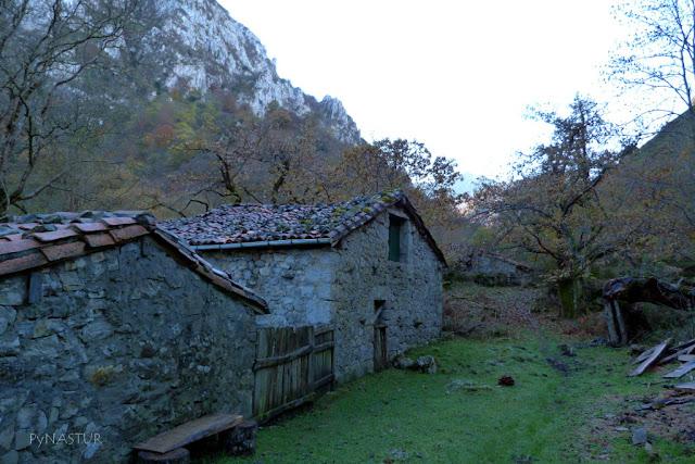 Cabañas del Escobio - Río Casaño - Asturias