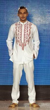 Baju koko setelan remaja warna putih dengan sedikit motif