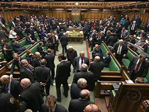 Casamento igualitário volta a ser discutido no Parlamento britânico