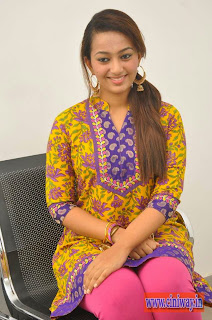 Esther-Latest-Stills-at-1000-Abaddalu-Press-Meet