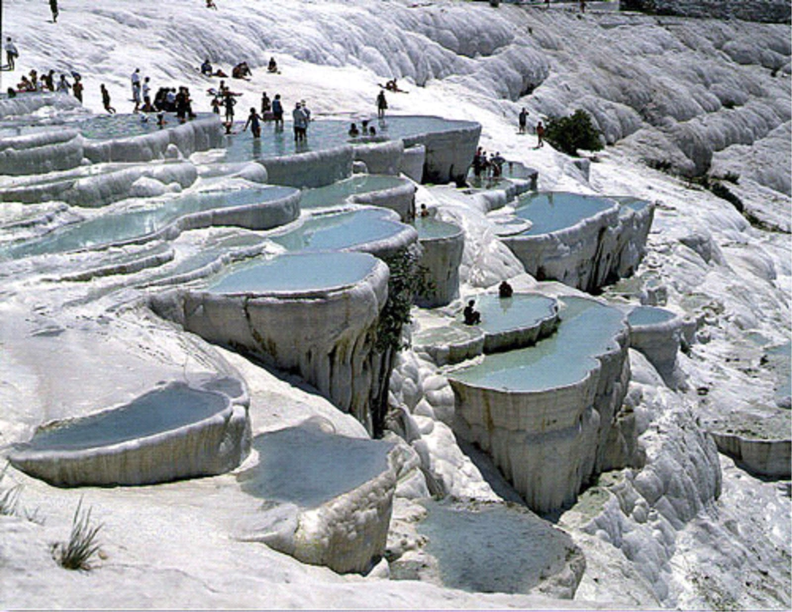 Touristsparadise pamukkale mineral terraces turkey for Terraces opening times