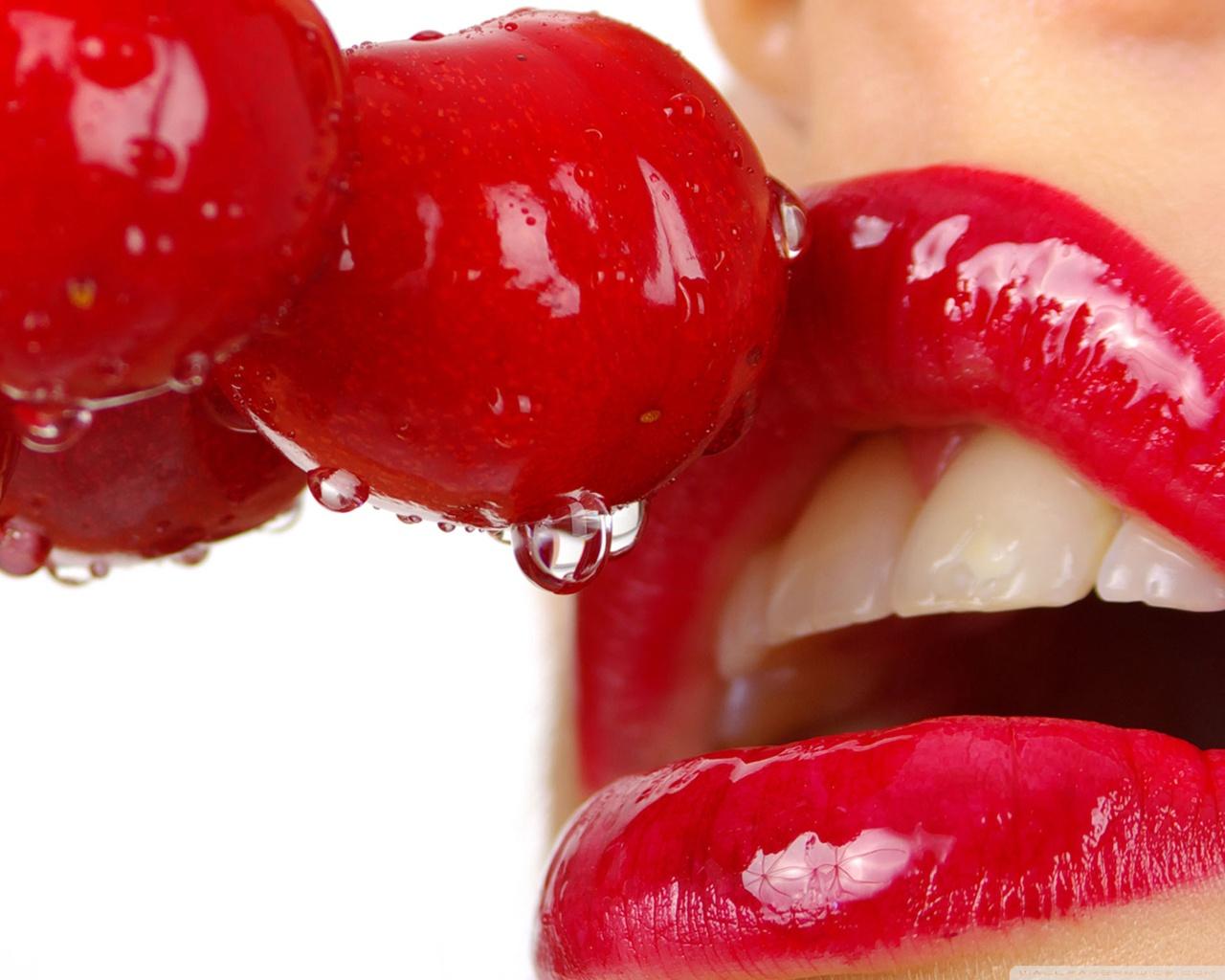 http://1.bp.blogspot.com/-DT720fxXaO8/UKAtaLipotI/AAAAAAAACZA/oHir5cxi4eo/s1600/cherry_lips-wallpaper-1280x1024.jpg