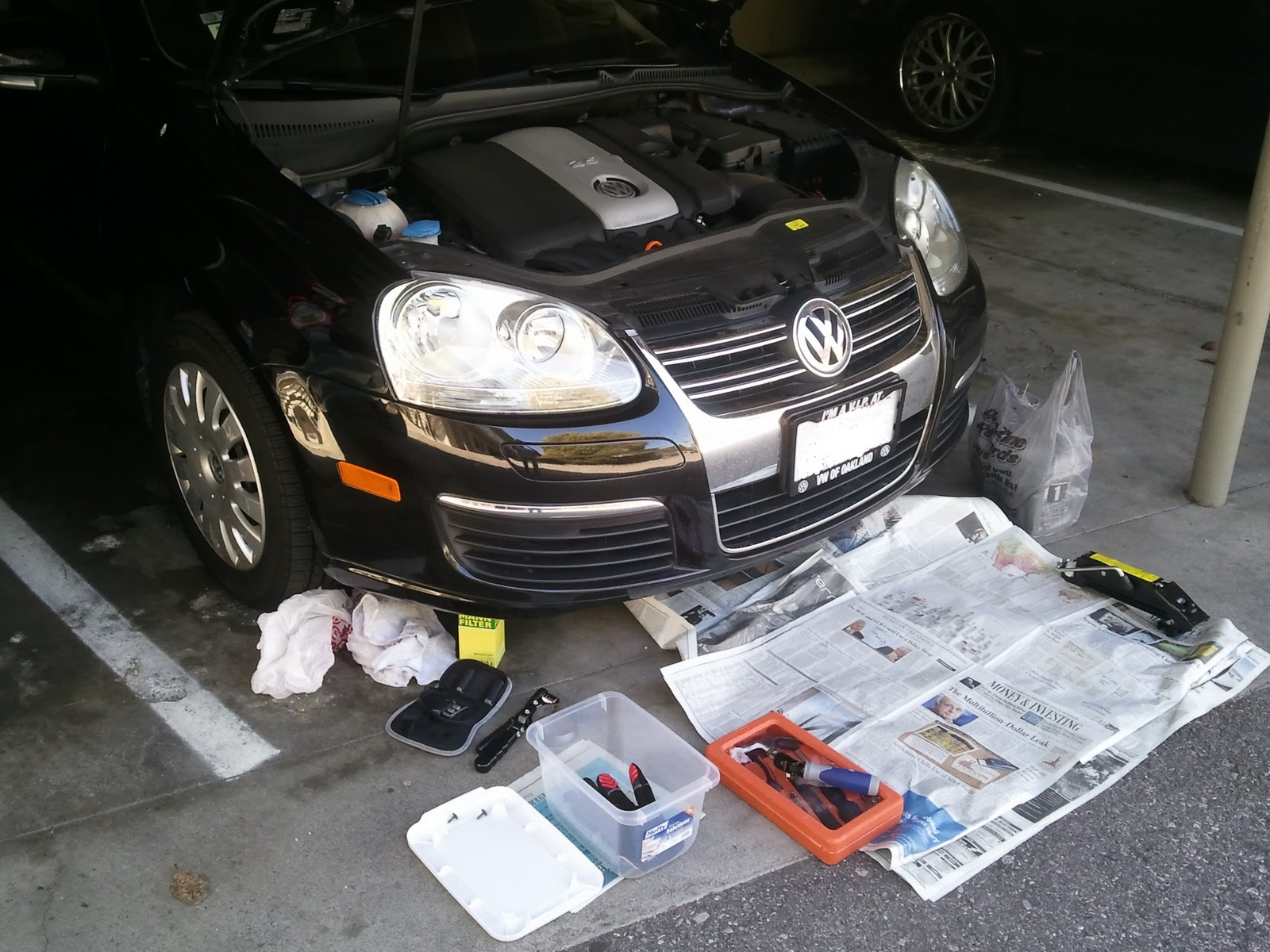 ThE vOoDoO tHaT yOu Do DIY VW Jetta Golf MKV 2 5L Oil Change