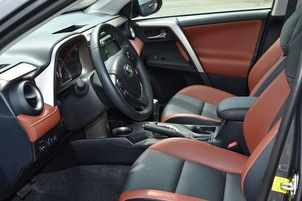 2015 Toyota RAV4 front interior