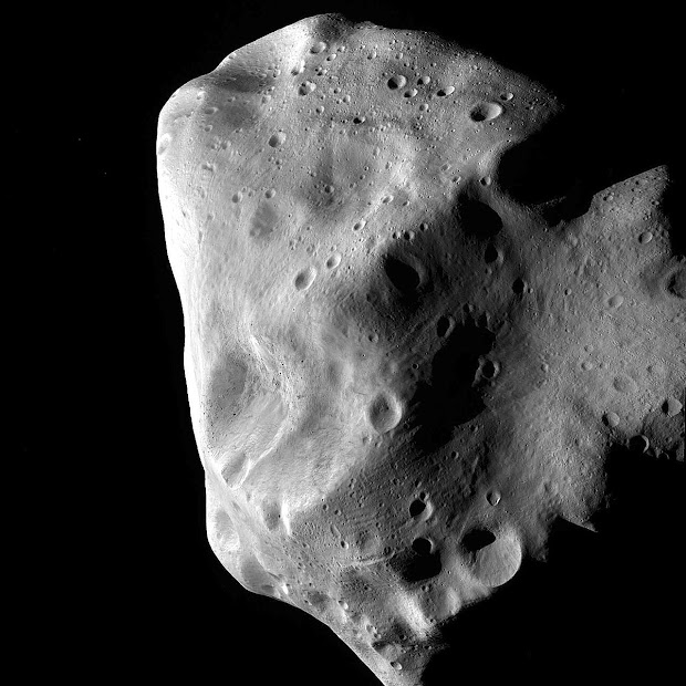 A view of the Asteroid Lutetia from the ESA Rosetta probe