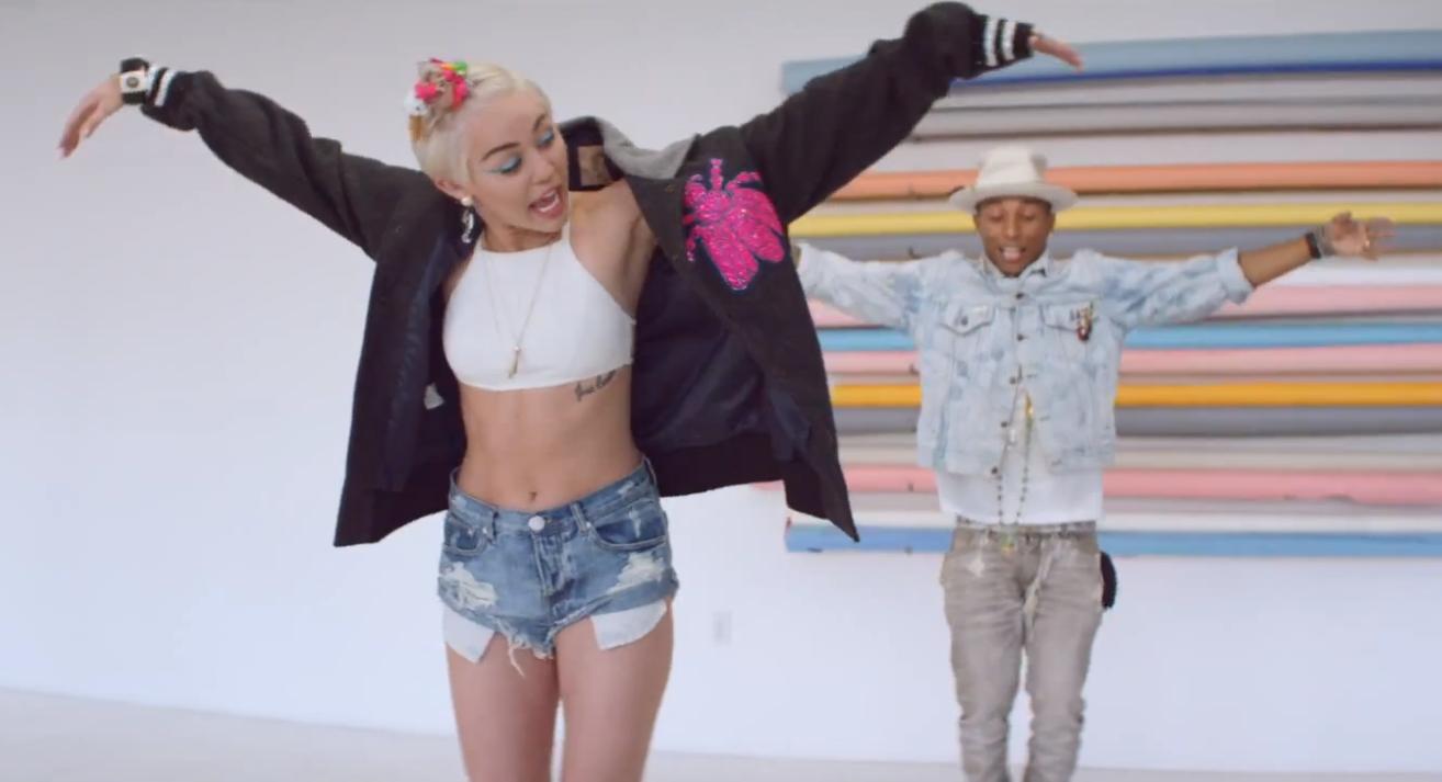 Pharrell Williams feat. Miley Cyrus, Come Get It Bae: testo, traduzione e video ufficiale