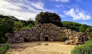 """Escursione alla misteriosa tomba dei giganti """"Sa domu 'e S'Orcu"""", domenica 3 novembre"""