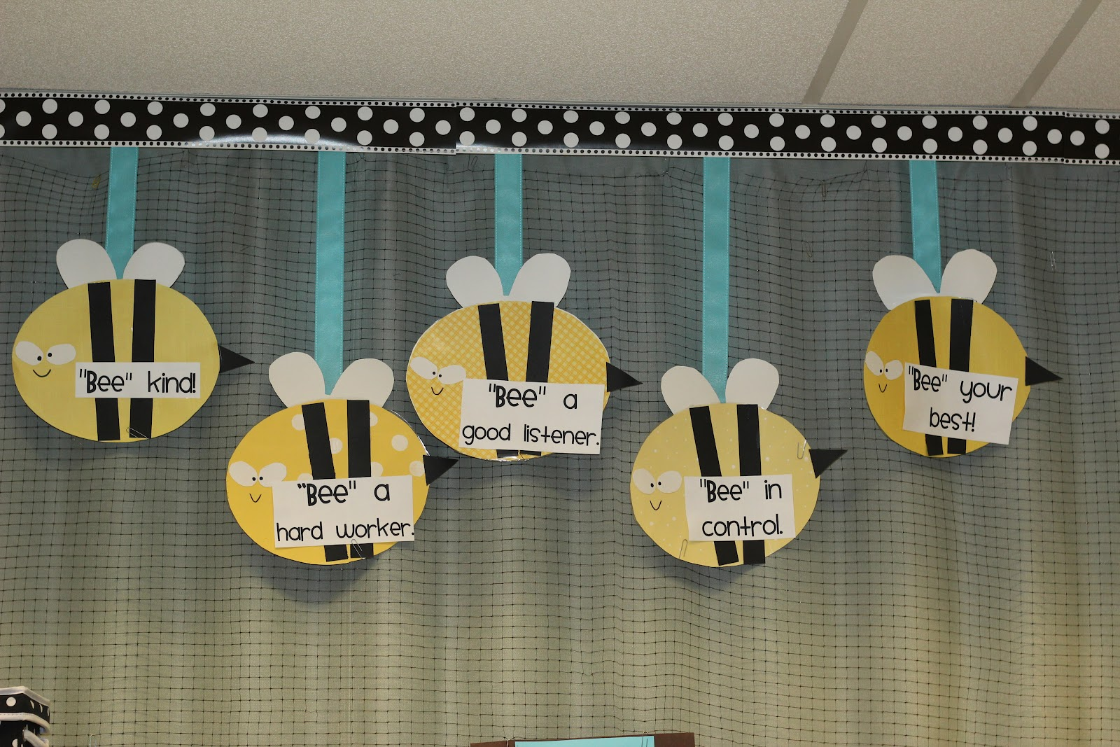 Classroom Ideas With Bees ~ Run miss nelson s got the camera daisies dots and bees