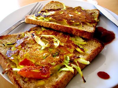 Bread Uttapam, Indian vegetarian breakfast
