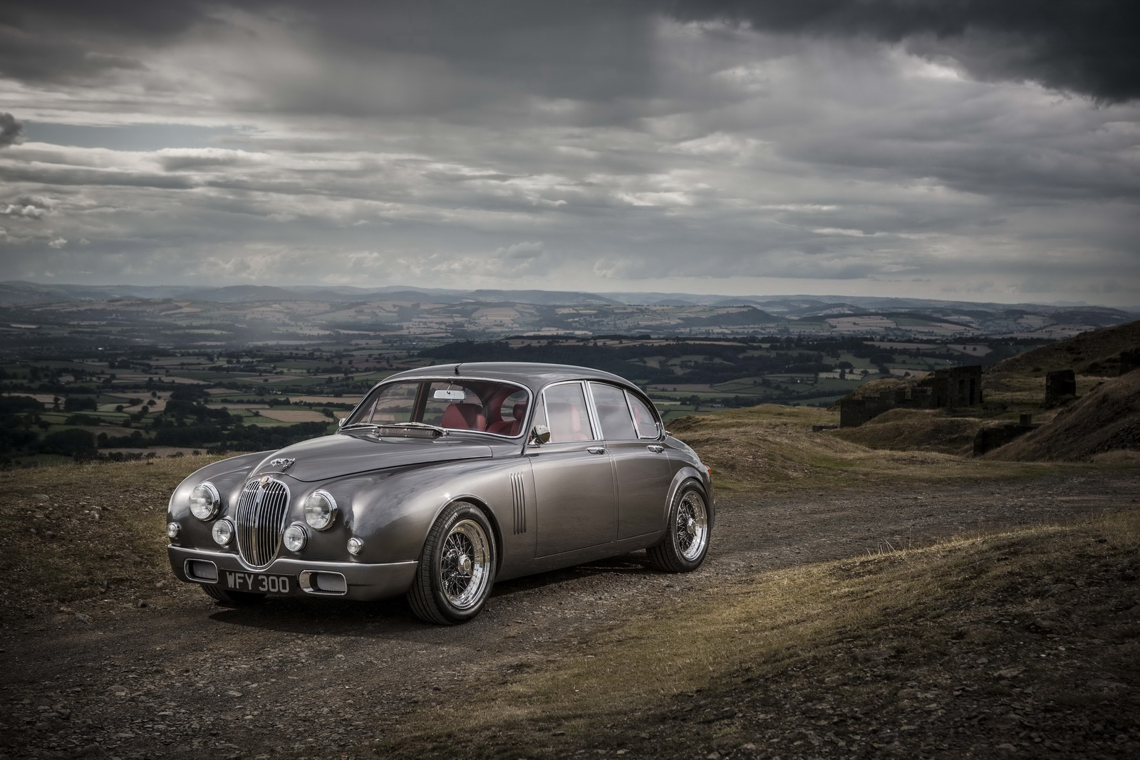 ian callum 39 s restomod jaguar mark 2 to enter production but you probably can 39 t afford it. Black Bedroom Furniture Sets. Home Design Ideas