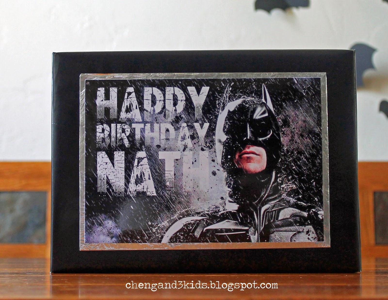 DIY Batman Gift Wrap by Cheng and 3 Kids
